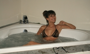 Marielle dans la baignoire