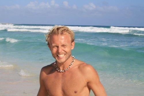 eau chaude + belle plage = Bruno content!