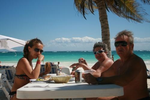 Dejeuner sur la plage