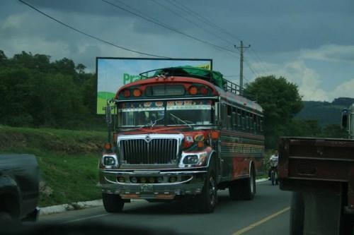 un des fameux bus... (dédé lache le volan!) LOL