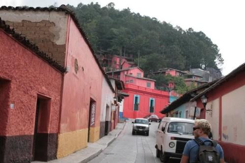 maisons maya colorées