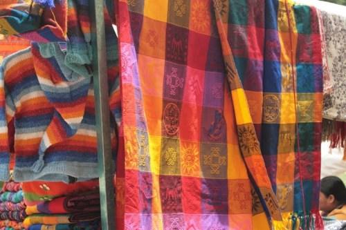Tissus mayas au marché de San Cristobal