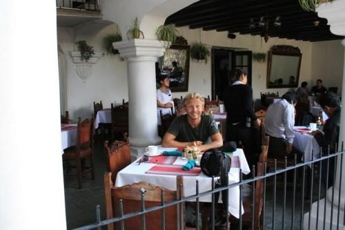 Bruno miaming à la Posada  :-)